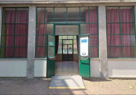 , Entrance and dismissal